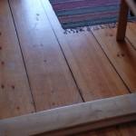 Kilsågat golv som legat några år